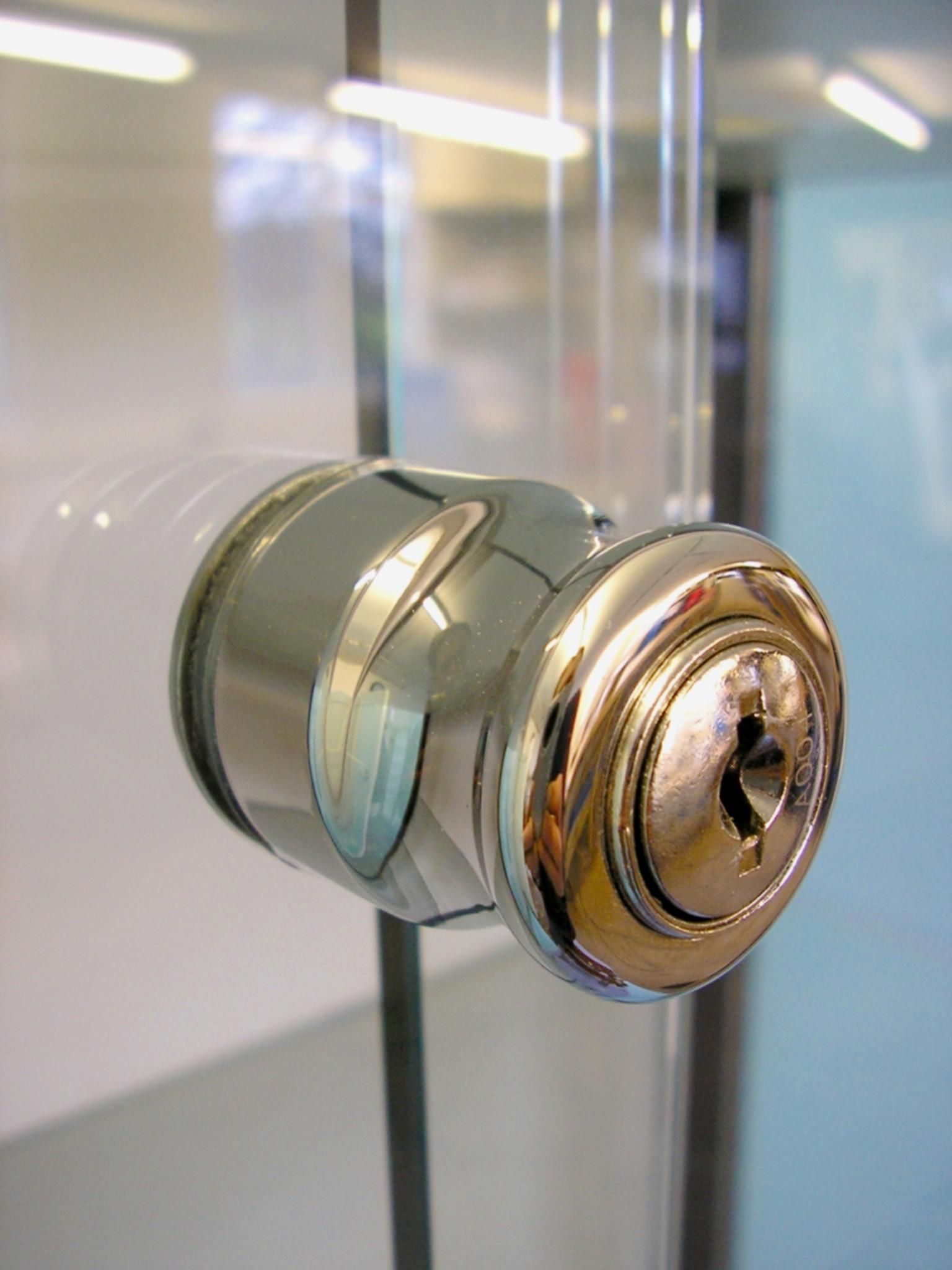 Designex Cabinets plunge lock